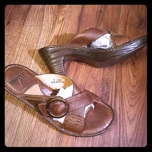 Shoes - Like New! Born Slip-on Sandals